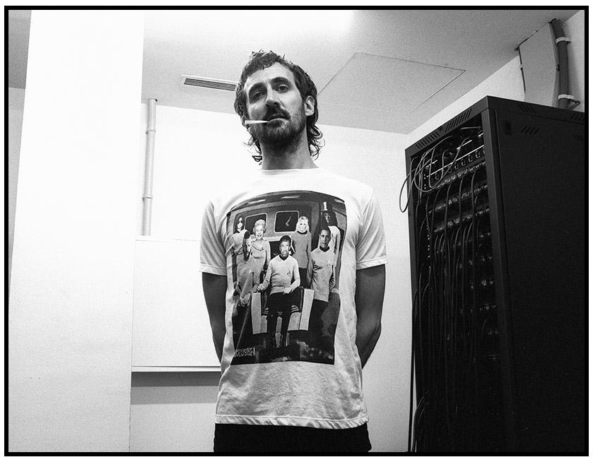 Gareth - THE DRONES. Photo: J.A.Areta Goñi (JUXE)